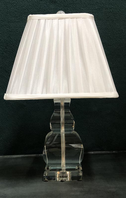 Anna's Mostly Mahogany Consignment - Glas Baluster Lamp