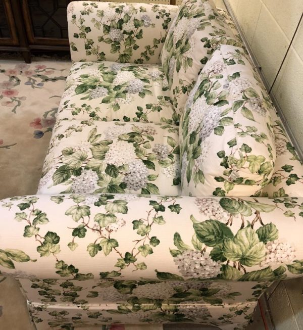 Anna's Mostly Mahogany Consignment - Floral Loveseat