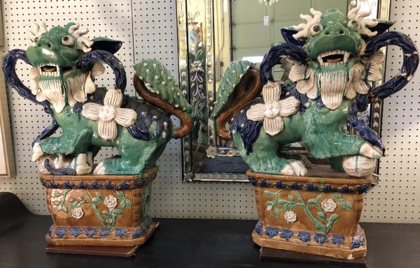Anna's Mostly Mahogany Consignment - Large Foo Dogs